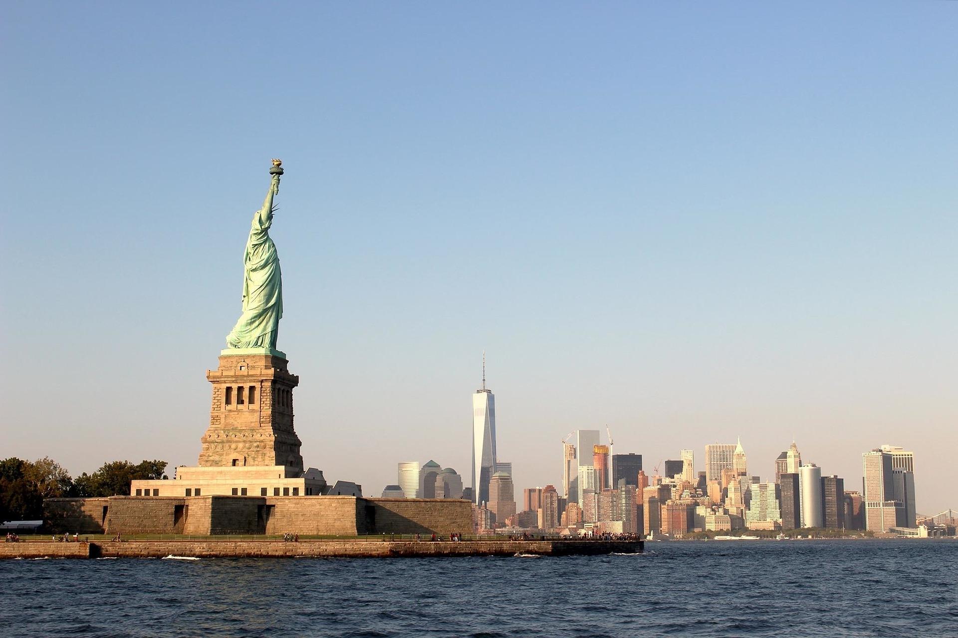 קו הרקיע של ניו יורק ופסל החירות